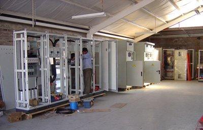 Comprar Paneles,transfer swicht, gabinetes para control de motores,banco para correccion factor de potencia.